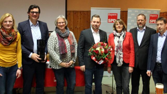 Der neue UB-Vorstand mit den Kandidatinnen und Kandidaten zum Landtag und Bezirk